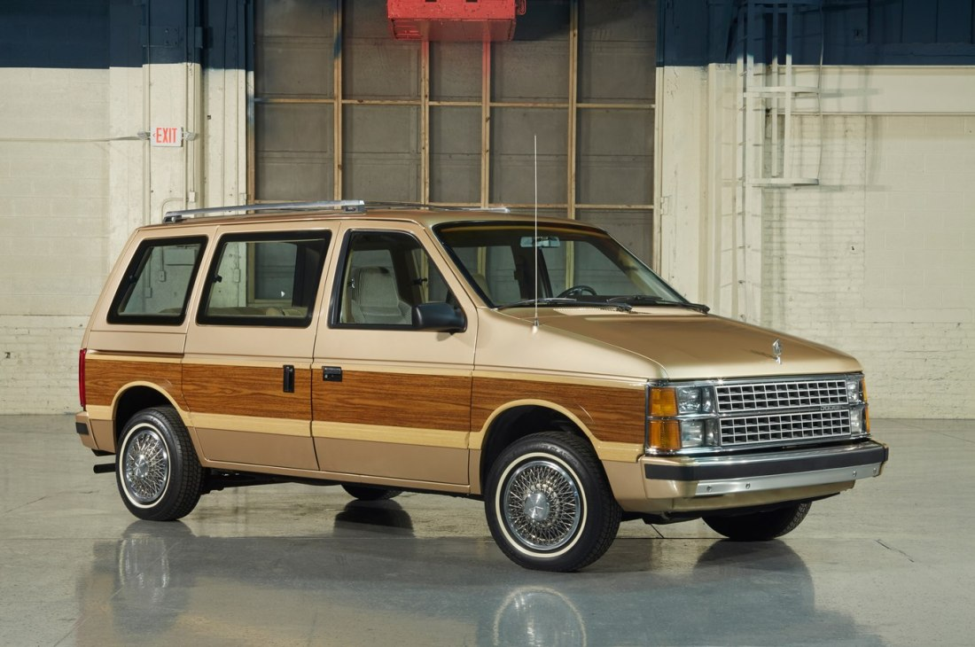 1984-Dodge-Caravan-front-three-quarter