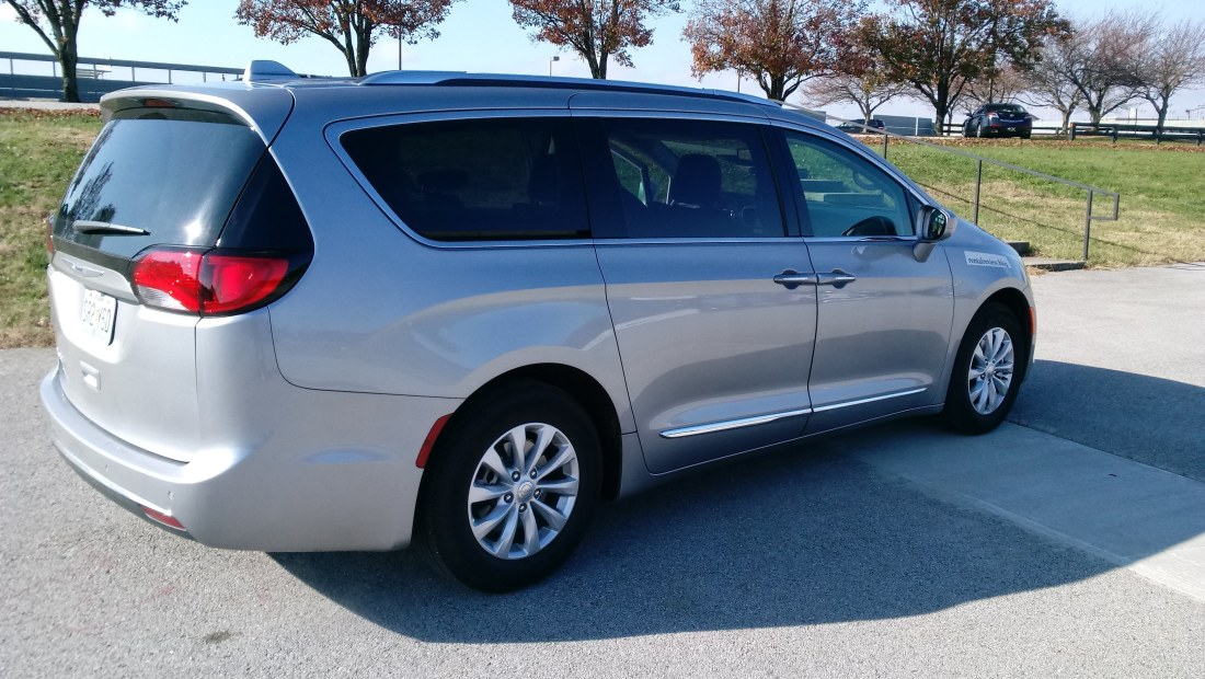 Pleasant Chrysler Pacifica Rental Review Pabps2019 Chair Design Images Pabps2019Com